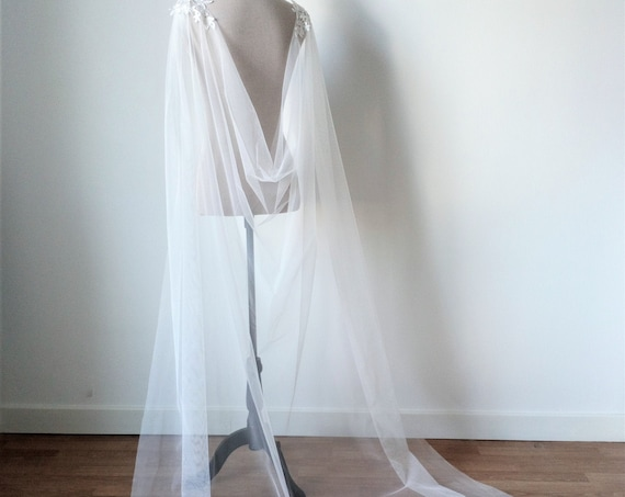 Ivory Wedding Cloak, Wedding Capelet, Bridal Cape Veil, Ivory Wedding Cape, Tulle Bridal Cover Up, Long Shoulder Train, Fantasy Wedding