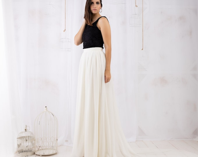 Minimalist loose wedding dress black and white, Sustainable bridal separates top and skirt, Simple lace boho bride gown alternative ceremony