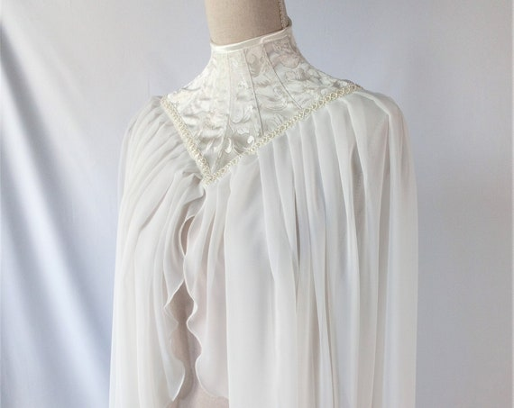 Ivory Gothic Cape, Wedding Capelet, Victorian Cape, High Neck Capelet, Bridal Cape, Edwardian Wedding, Angel Wings Cape, Photo Prop