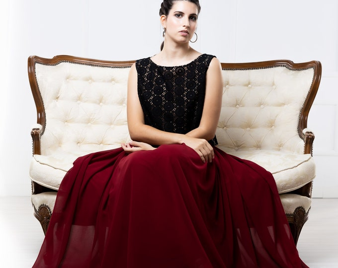 Wine red and black bridal gown for gothic reception, Minimal goth wedding dress for dark boho elopement, Dark and moody fall bridal gown