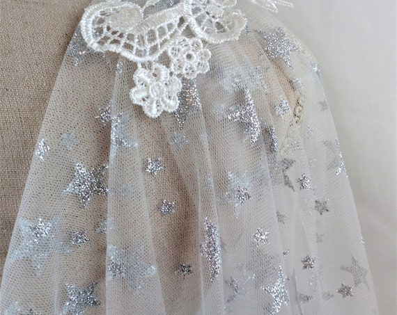 White Celestial Cape, Wedding Cloak With Stars, Long Bridal Cape Veil, Galaxy Cape, Medieval Wedding, Draped Wedding Cape, Cloak Cathedral