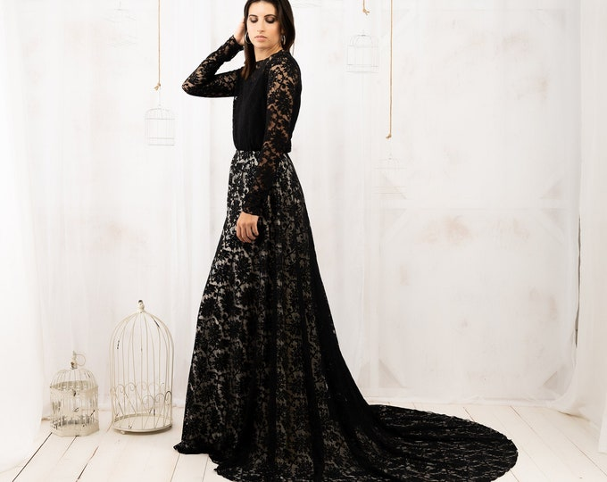 Black lace long sleeve wedding dress for dark winter bridal reception, Black and white stunning gothic gown for dark boho elopement outdoor