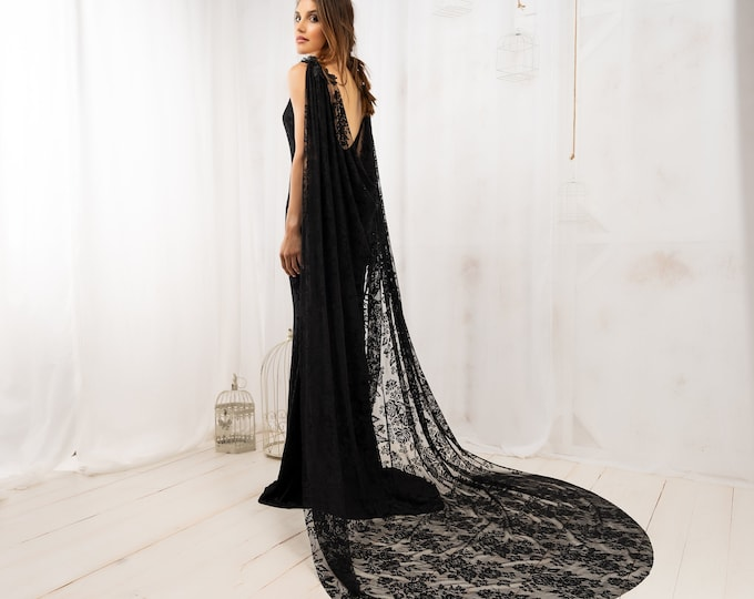 Romantic vampire cape for halloween ball costume, Couture goth black lace cloak for castle wedding, Deluxe victorian vampire gothic witch