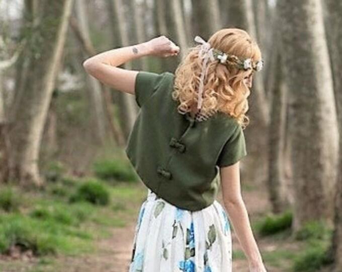 Pagan boho crop top for green wedding dress, Short sleeve bridal top separates hippie, Celtic alternative topper for bride engagement photos