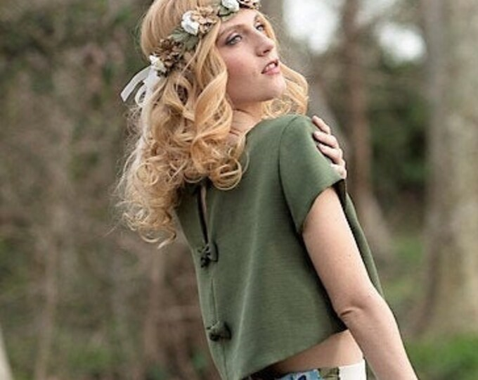 Green bridal crop top for celtic wedding, Olive green bridal separates top, Pagan natural ceremony in the woods, Woodland short sleeve top
