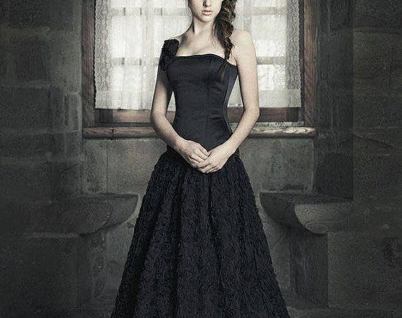 Black Wedding Dress, Gothic Wedding Gown, Dark Queen Dress, Gothic Ball Gown, Black Tulle Dress, Corset Wedding Dress, Fantasy Wedding