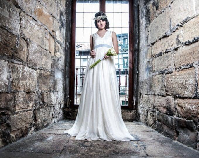 Empire waist wedding dress, Silk chiffon regency dress, Natural white Bridgerton bridal dress, Jane Austen style wedding gown, Boho vintage