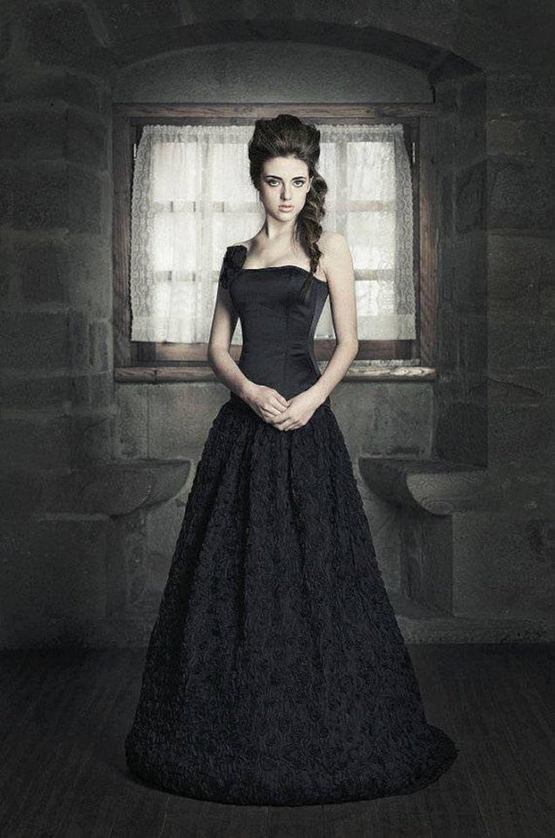 8e436b34e173 Gothic wedding dress Black wedding dress Fantasy Wedding | Etsy