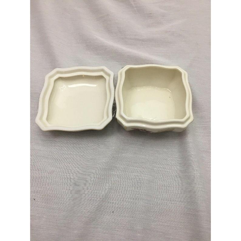 Zsolnay Hungary Porcelain Covered Trinket Box Cornflower Pattern