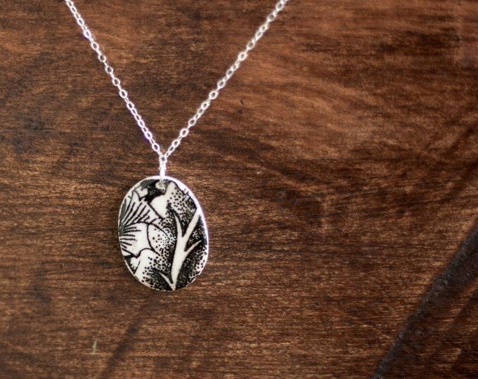 Flourish Oval Necklace