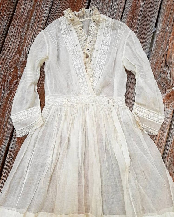 Antique 1900s Embroidered Cotton Lace Prairie Day