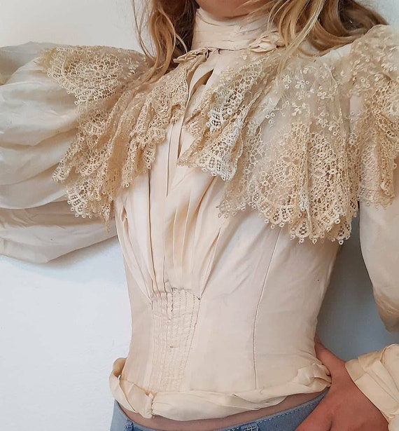 Antique Victorian 1890s Silk Lace Mutton Sleeve We