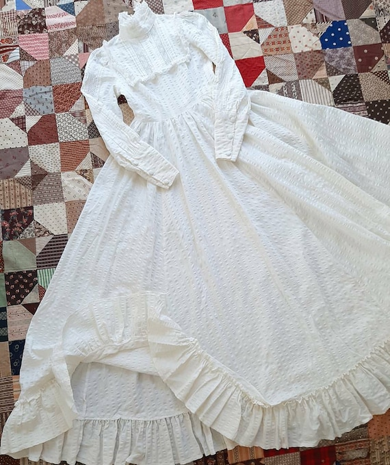 Vintage Victorian Antique Style White Laura Ashley
