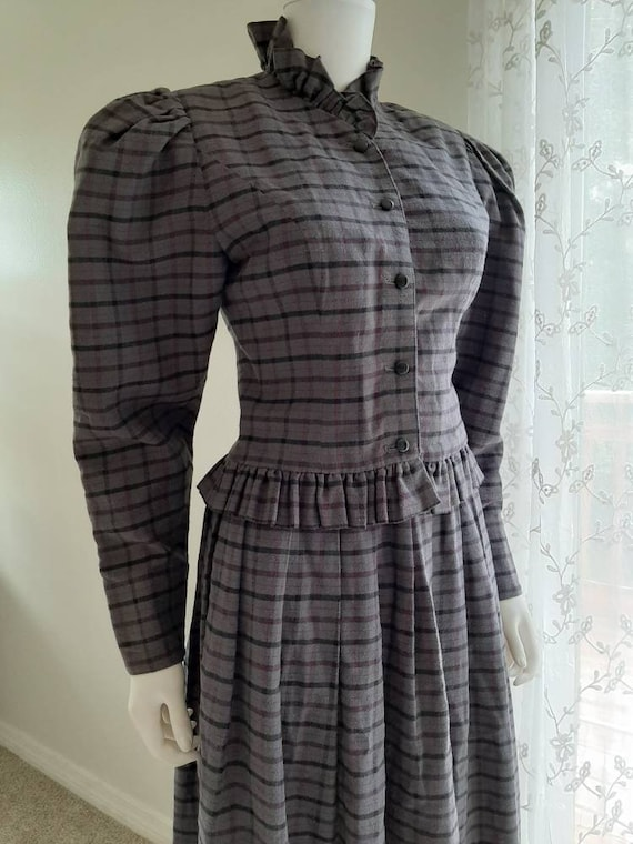 Vintage Laura Ashley Puffed Sleeve Victorian Style