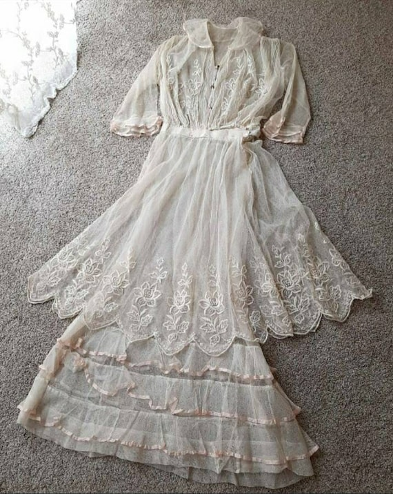 Antique Romantic Edwardian 1910 Embroidered Tulle