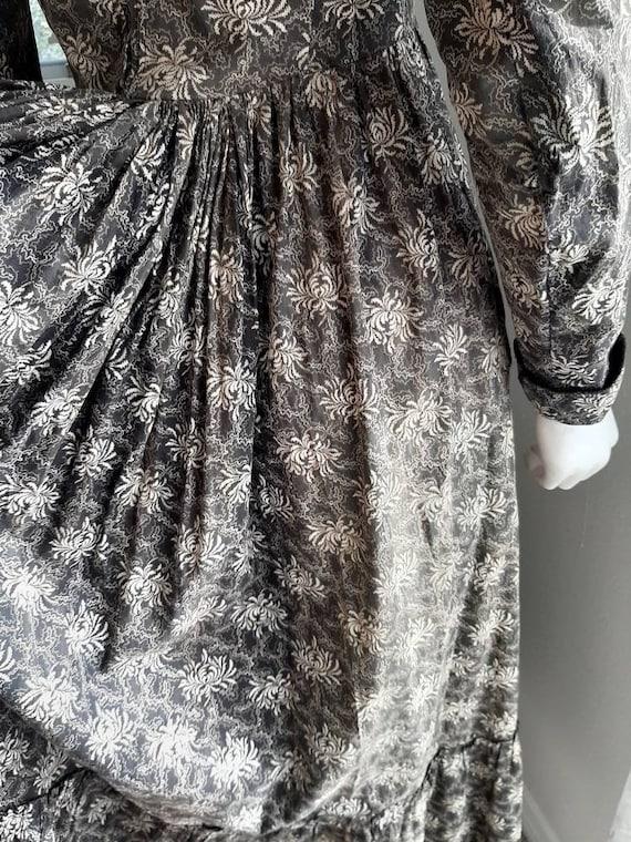 Rare Antique Victorian 1900 Gothic Calico Wrapper… - image 7