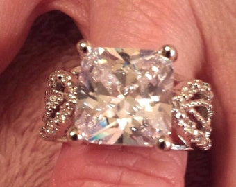 Large White Topaz Princess Cut Gemstone Sterling Silver Plated Ring, 25 ct.  Size - 7