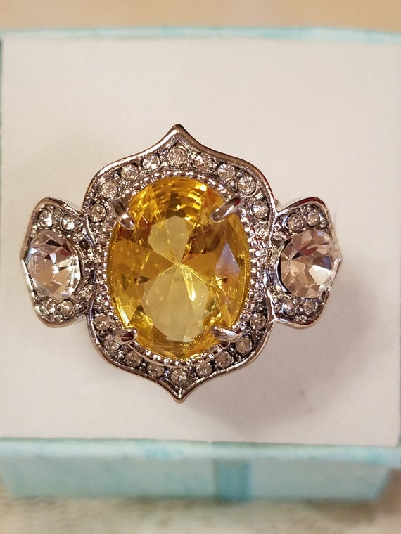 Vintage Statement Amethyst /& White Topaz Oval and Round Cut Gemstone Sterling Silver w Partial Bronze Overlay Ring 8 3.5 ct Size