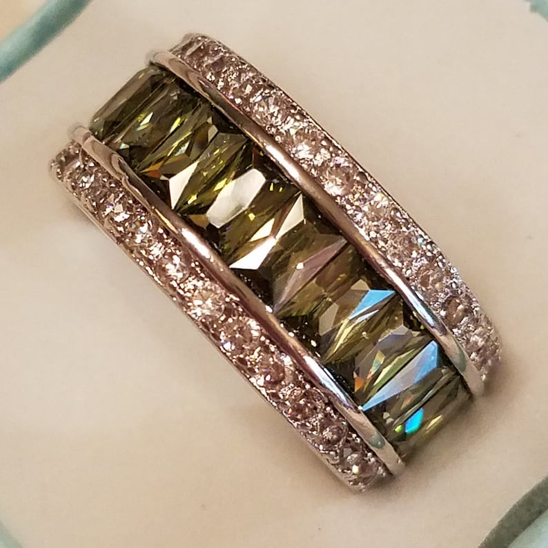 8 Size 5 ct Eternity Band Peridot /& White Topaz Baguette Cut and Round Cut Gemstone Sterling Silver Filled