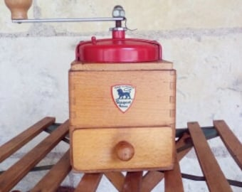 Old coffee grinder in wood and iron grinder vintage french coffee grinder