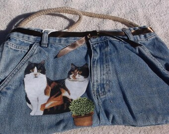 Cats on purse/tote