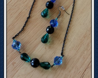 Simply Perfect Blue, Black & Green Teardrop Necklace Set