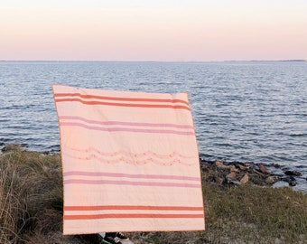 Peachy Sunset Surfer Breakwater Quilt - Throw Sized