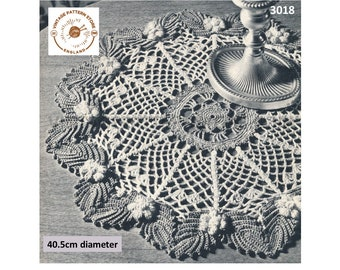 60s vintage Christmas holly leaf circular round doily doilies pdf crochet pattern 40cm diameter Instant PDF Download 3018
