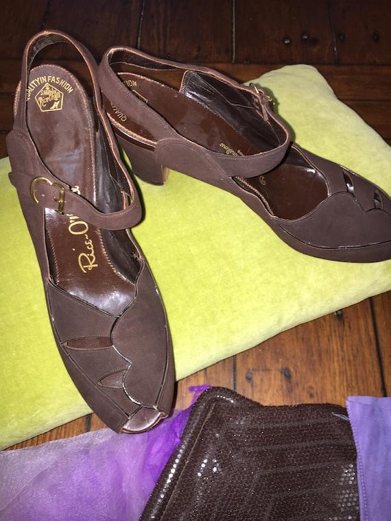 Vintage 1940s chocolate brown suede heels by Rice
