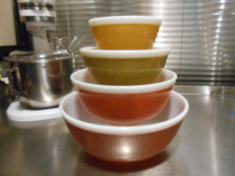 Pyrex Americana mixing bowls-Fall Harvest