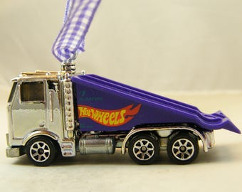 FREE SHIPPINGInsurance Ornament Kenworth ? or Peterbuilt ? Hot rod man cave Birthday gift conventional Semi Fathers Day off road