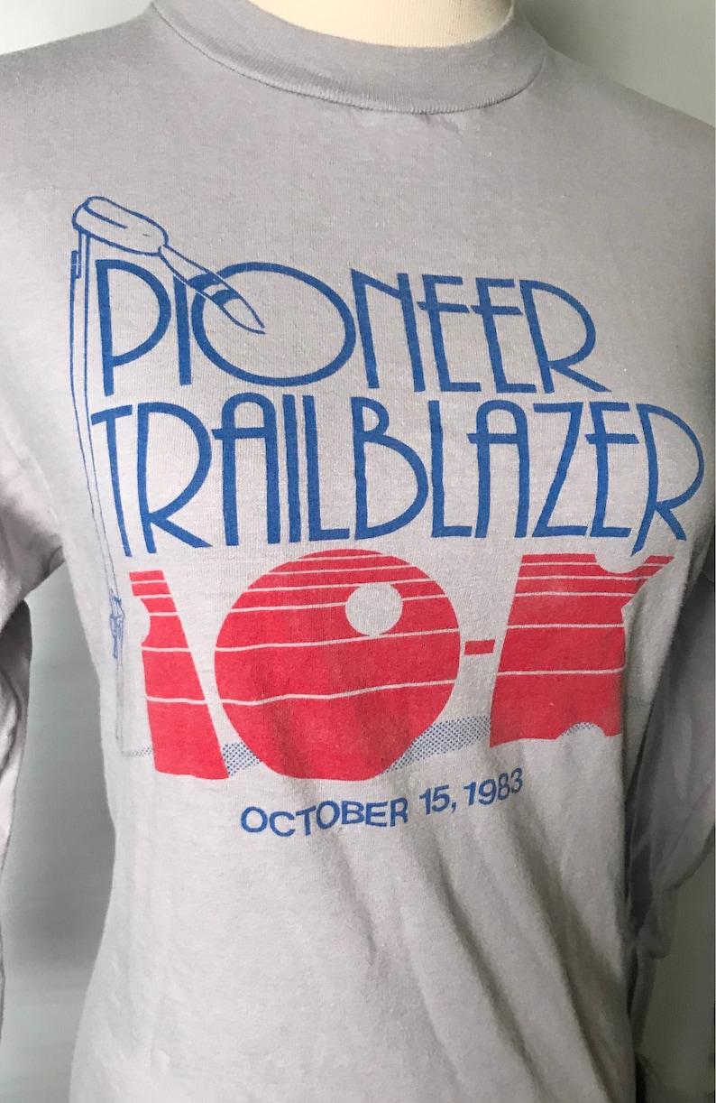 7c9b56727f11e Vintage 1983 10k Race T shirt Pioneer Trailblazer, Oakridge Boys Small