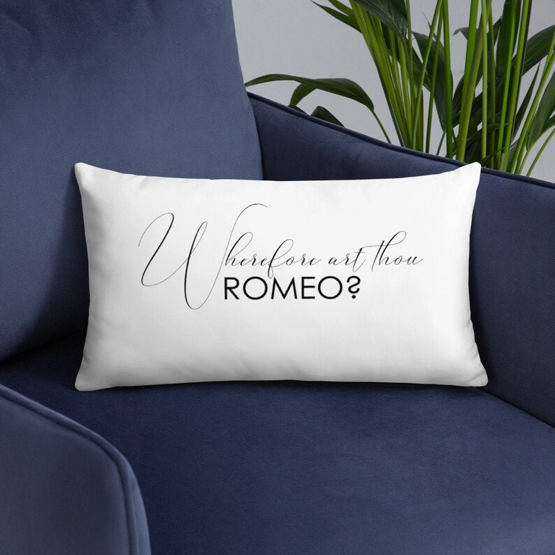 Shakespeare Romeo and Juliet Pillow Cover and Insert  image 0