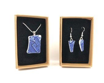 Blue Willow Ceramic necklace and Earrings. Each is handmade from a salvaged British made Thomas Minton Ceramic.