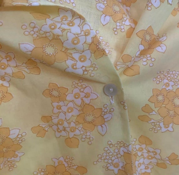 70's FLORAL BUTTON UP - yellow white - small - image 10
