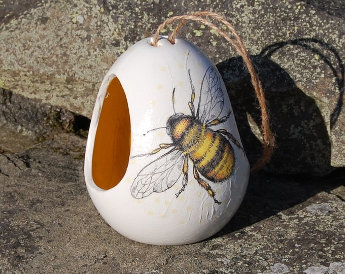 Busy Bee Bees Two Tone White and Yellow Ceramic Wild Bird Seed Feeder  - Gardening Gifts - Scottish Gifts - Birds - Apple - Balls - Suet