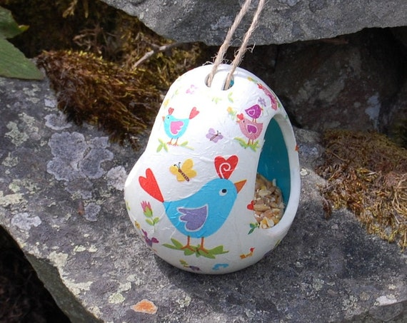 Bright Birds  Two Tone White and Turquoise Ceramic Wild Bird Seed Feeder  - Gardening Gifts - Scottish Gifts - Birds - Apple - Balls