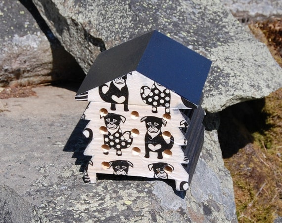 Pug - Dog - Puppy Love - Wooden Bee Hive House - Insect House - Bug Hotel - Bee House - Gardening Gifts - Garden - Scottish Gifts