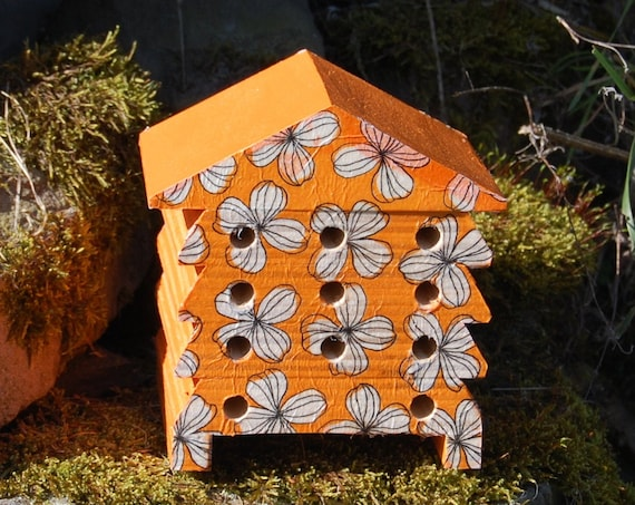 Retro Orange and White Flowers - Wooden Bee Hive House - Insect House - Bug Hotel - Bee House - Gardening Gifts - Garden - Beehive