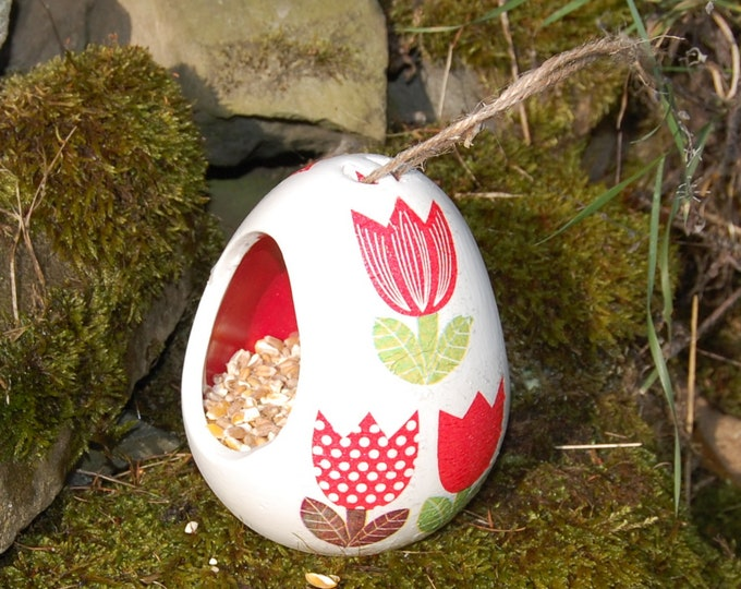 Patchwork Tulips Two Tone White and Yellow Ceramic Wild Bird Seed Feeder  - Gardening Gifts - Scottish Gifts - Birds - Apple - Balls - Suet