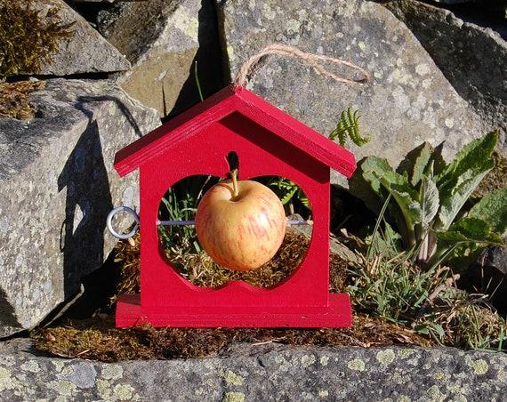 Red Wooden Bird Feeder - Gardening Gifts - Scottish Gifts - Birds - Apple - Balls - Scotland - Gardener - Nature - Garden