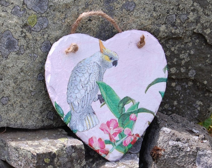 Cockatoo Tropical Slate Heart Hanger - Hanging Heart  - Garden Decor - Decorative Sculpture