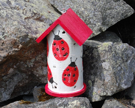 Ladybird Two Tone Red & White  Wooden Ladybird House Hotel - Ladybug - Insect House - Bug Hotel - Bee House - Gardening Gifts