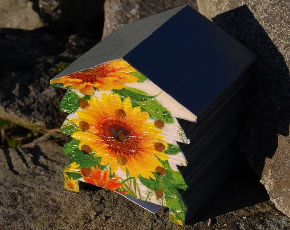 Sunflowers Sunflower - Wooden Bee Hive House - Insect House - Bug Hotel - Bee House - Gardening Gifts - Garden - Scottish Gifts