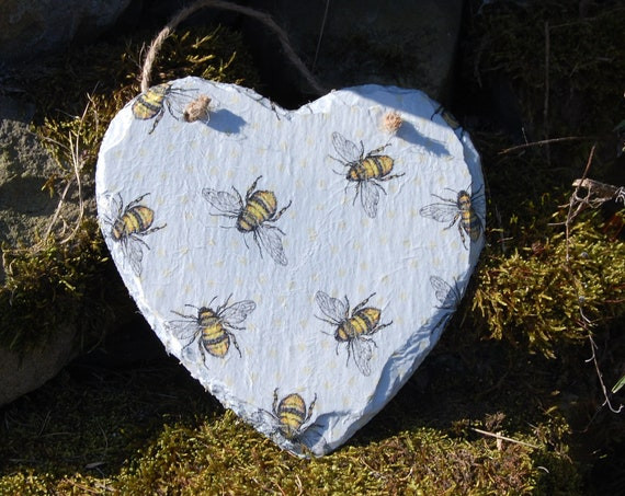 Busy Bumble Bee Bees Slate Heart Hanger - Hanging Heart  - Garden Decor - Decorative Sculpture