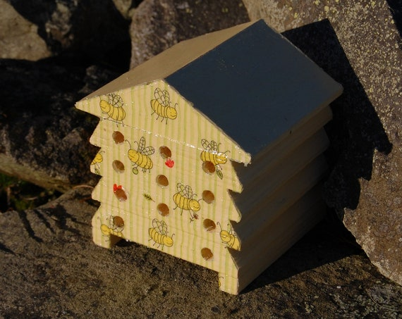 Yellow Bee Happy - Wooden Bee Hive House - Insect House - Bug Hotel - Bee House - Gardening Gifts - Garden - Scottish Gifts