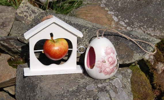 White and Pink Roses Bird Feeder Gift Set Ceramic Wild Bird Seed Feeder & Fruit Fat Ball Feeder, garden, gardening, bundle