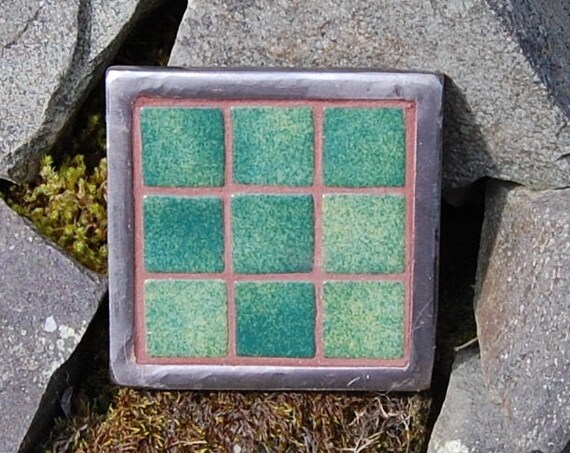 Up-cycled Plant Pot Stand – Emerald Green Patchwork Mosaic - Trivet – Garden Art – - Gardening Gifts - Garden - Scottish Gifts - Scotland