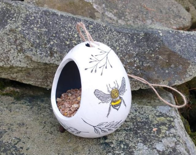 Busy Bee Bees Two Tone White and Grey Ceramic Wild Bird Seed Feeder