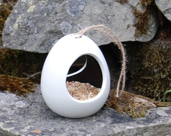 Two Tone White and Black  Ceramic Wild Bird Seed Feeder  - Gardening Gifts - Scottish Gifts - Birds - Apple - Balls